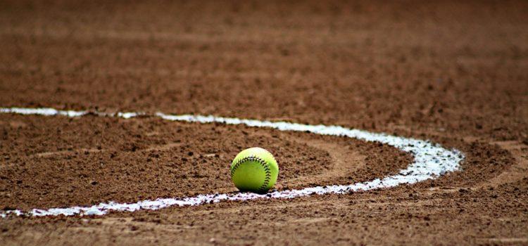 Jaký je rozdíl mezi kriketem a baseballem?