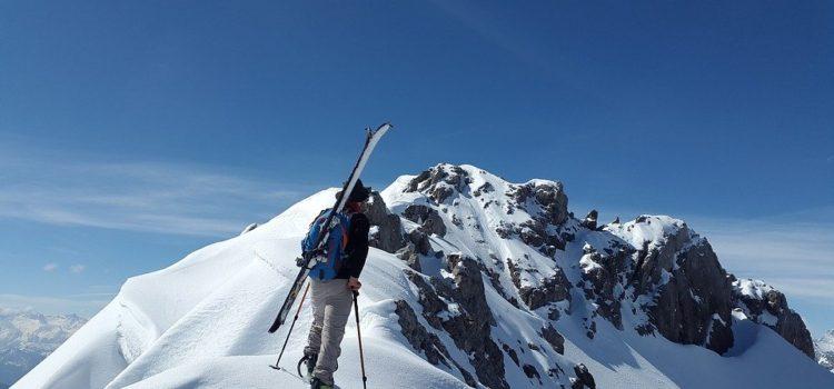 Co s sebou v zimě na hory?