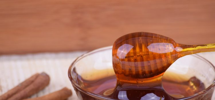 Účinky medu a skořice na naše zdraví. Víte o nich?