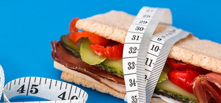 Jak efektivně zhubnout do plavek?
