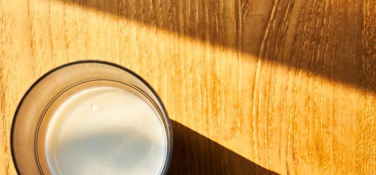 Co nám v těle spotřebovává vápník a jak jej přirozeně doplnit