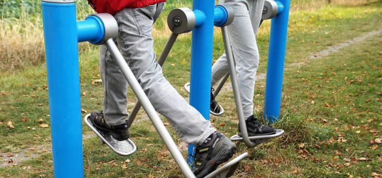 Tipy, jak posilovat na venkovním workoutovém hřišti